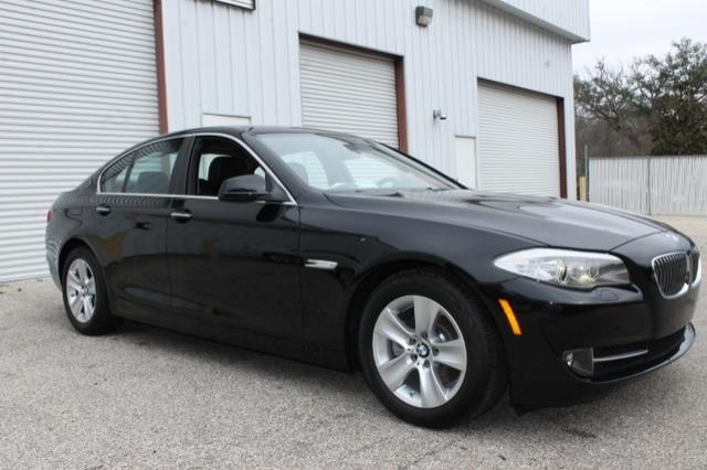 Capital bmw tallahassee reviews the safety features of the for Capital bmw mercedes benz tallahassee